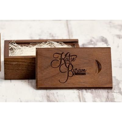 Деревянная коробочка для флешки темное дерево